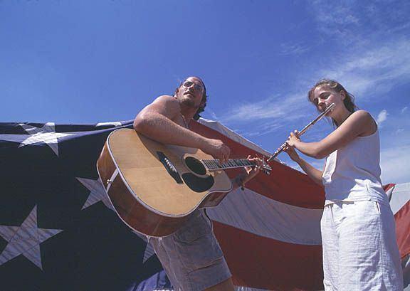 Flag_guitar_flute_sm