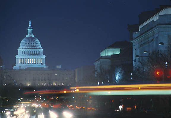 US_Capitol_night_street_01_sm