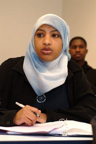 Muslim_college_student_-desk_sm