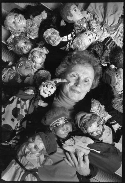 Ida_Jervis_w_puppets_ppt