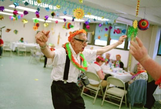 8119-17A_old_man_dancing_sm