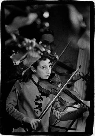 20.11_girl_w-_violin_1_sm