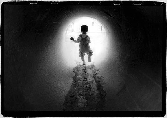 Emma_in_Tunnel_sm