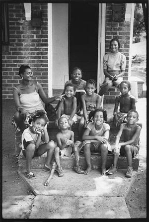 Woman w 9 kids Green Valley APDP 1980 sm.jpg